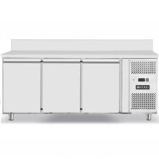 Stół chłodniczy 3-drzwiowy<br />model: 232057<br />producent: Hendi