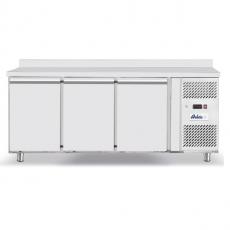 Stół chłodniczy 3-drzwiowy<br />model: 232057<br />producent: Arktic