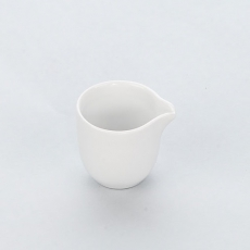 Dzbanuszek porcelanowy na mleko APULIA<br />model: 395334<br />producent: Karolina