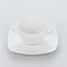 Bulionówka porcelanowa APULIA<br />model: 394150<br />producent: Karolina