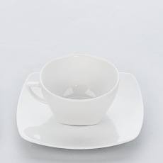 Filiżanka porcelanowa APULIA<br />model: 394155<br />producent: Karolina