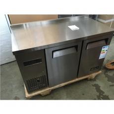 Stół chłodniczy Kitchen Line 2-drzwiowy<br />model: 233344/W<br />producent: Hendi