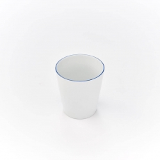 Kubek bez ucha porcelanowy BISTRO - 350 ml<br />model: 395986<br />producent: Karolina
